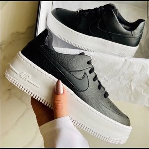 NEW Air Force 1 safe low black